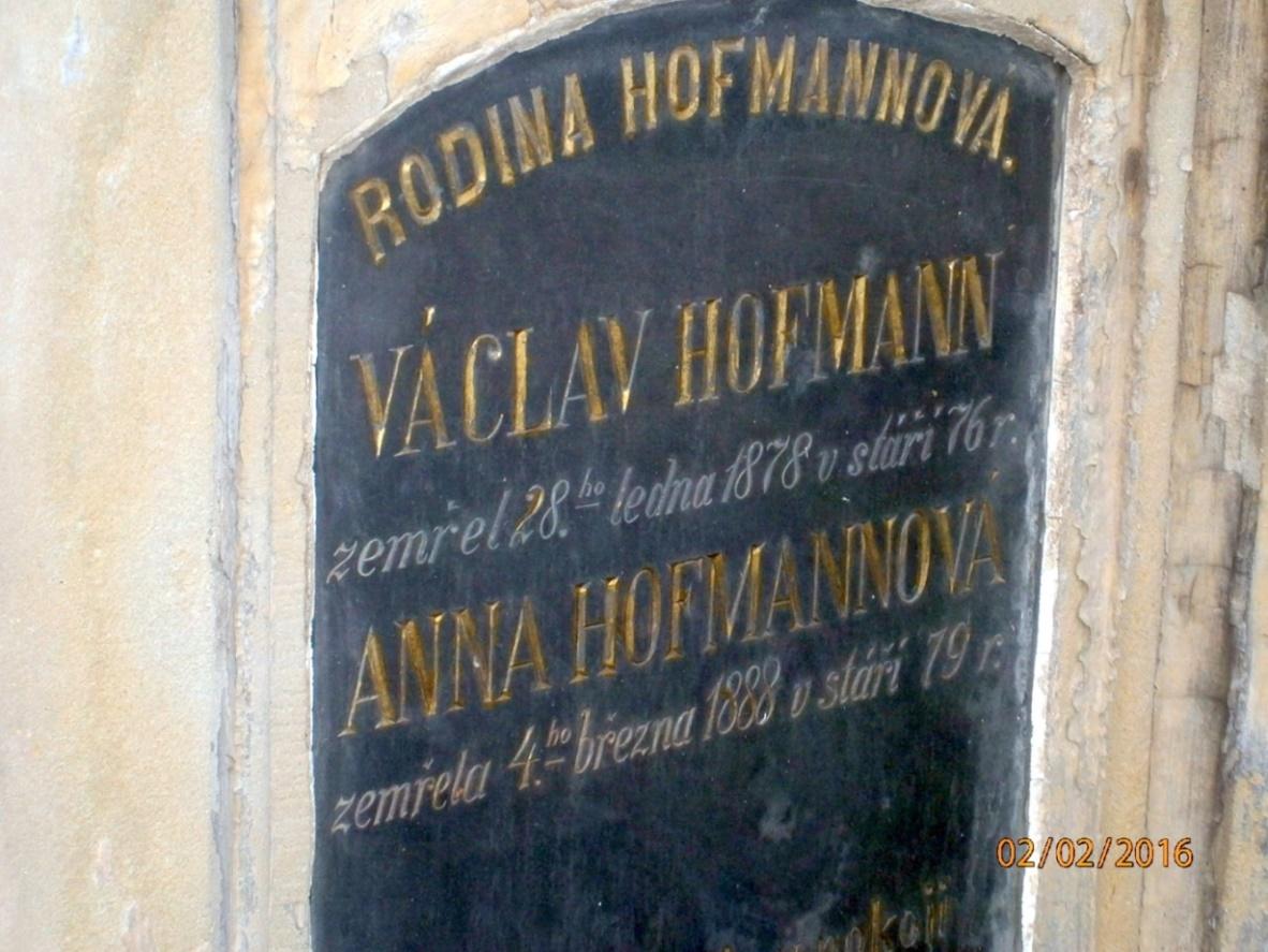 hofmannova rodina nahrobek